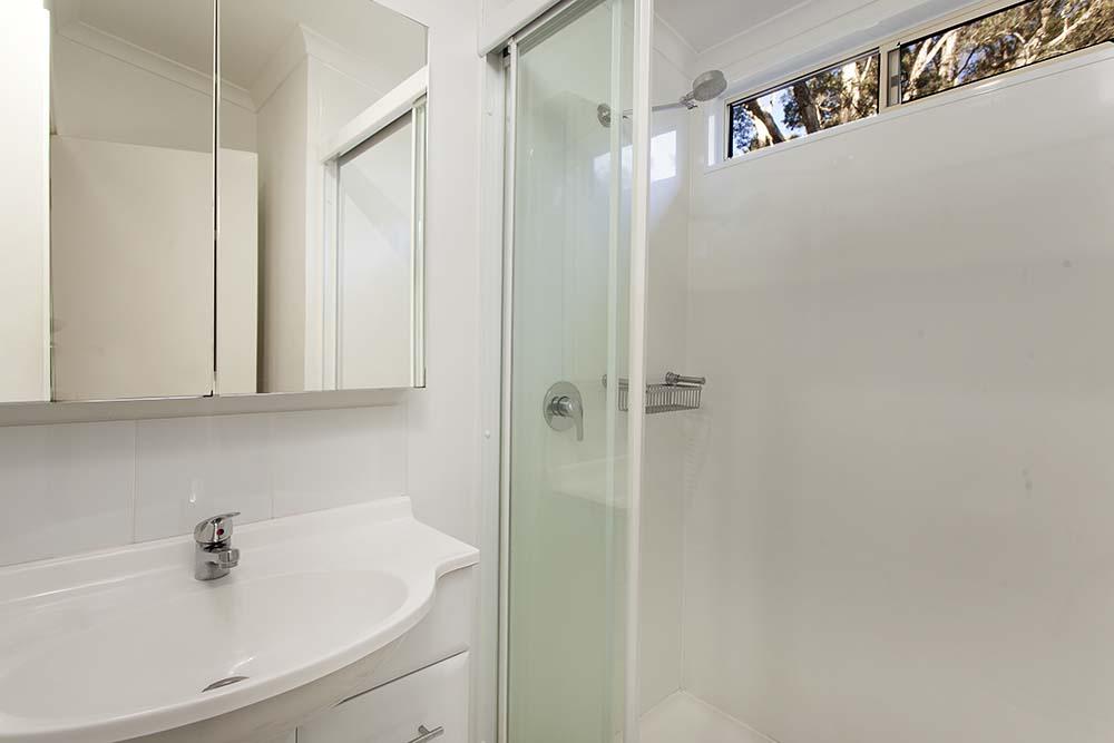 executive-villa-bathroom