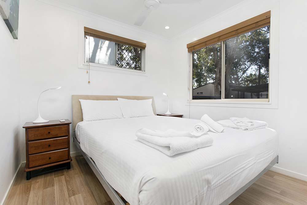 executive-villa-bedroom