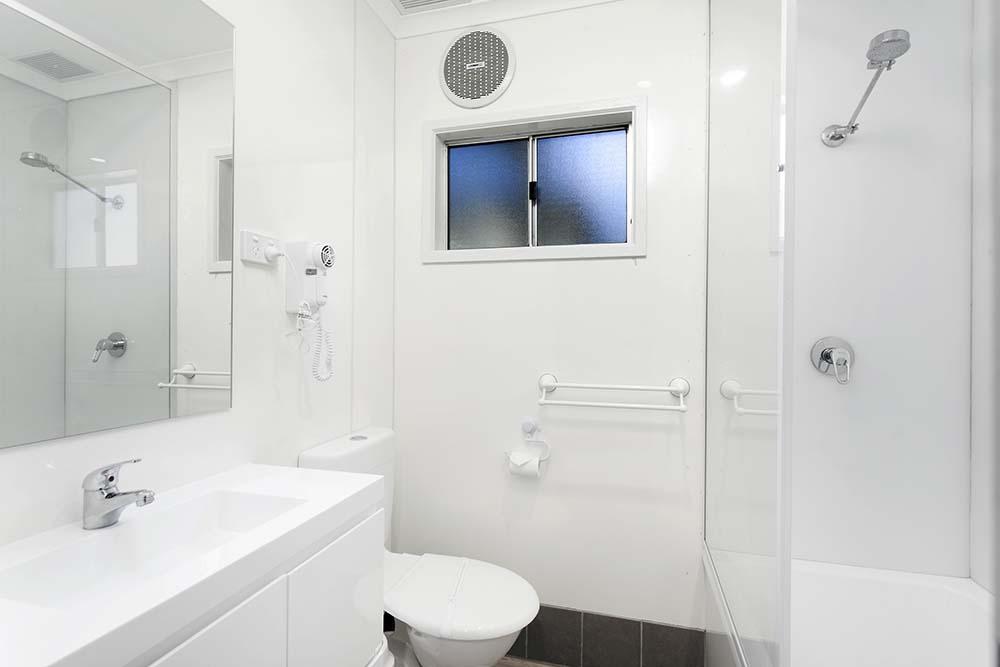 family-cabin-bathroom