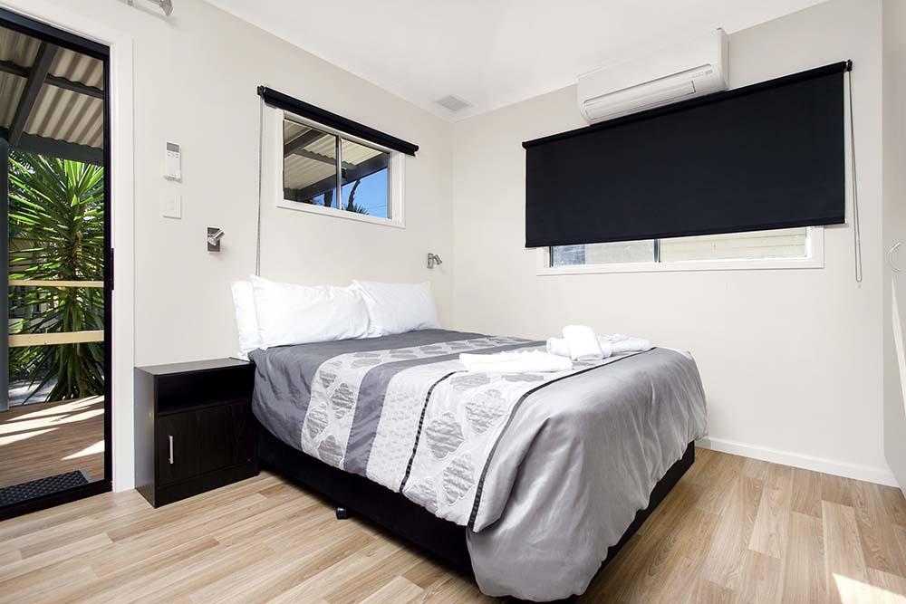 family-cabin-bedroom